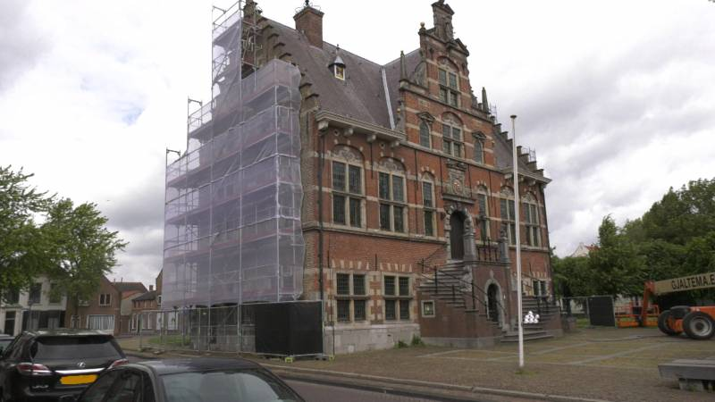 Renovatie stadhuis Klundert in volle gang